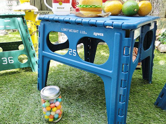 フォルディング・テーブル(ブルー)