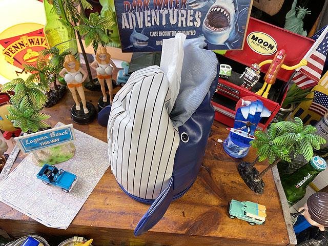 クジラのロールティッシュホルダー