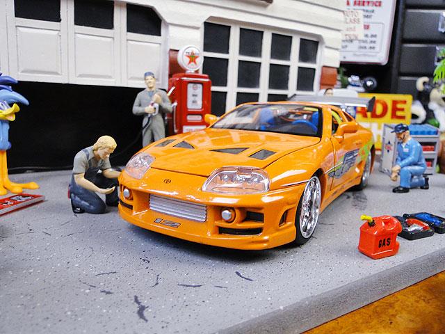 Jada 映画「ワイルドスピード」のダイキャストモデルカー 1/24スケール(ブライアン/トヨタ・スープラ/オレンジ)