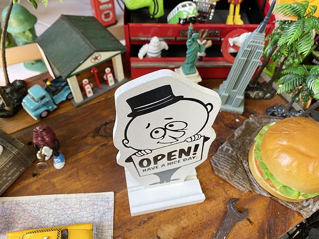 バーギーのテーブルメッセージサイン
