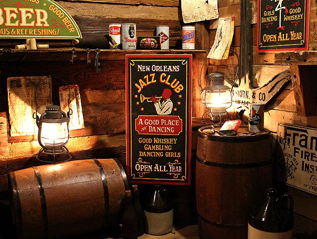 ニューオリンズジャズクラブの木製看板