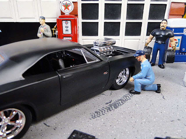 Jada 映画「ワイルドスピード」のダイキャストモデルカー 1/24スケール(ドム/1970年ダッジ・チャージャー)