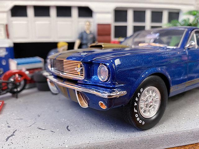 シェルビーコレクション 1966年 フォード・マスタングGT350 Hのダイキャストミニカー 1/18スケール