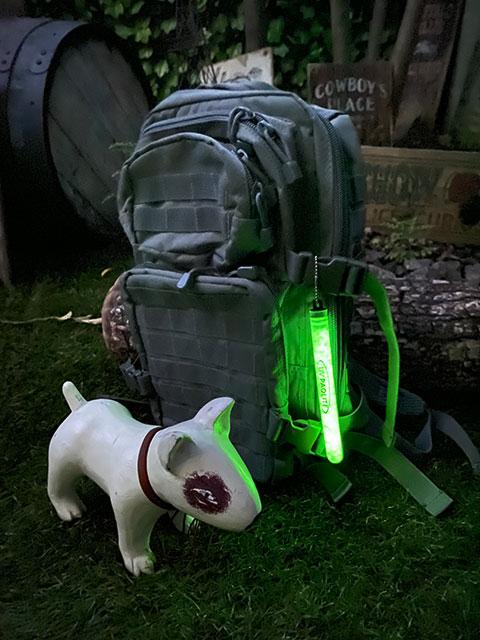 暗闇で光る!グロースティック 6インチ・ロングタイプ MADE IN U.S.A. GLOW STICKS Tooblite アウトドア 防水 耐久性 半永久的に使える 最大12時間発光