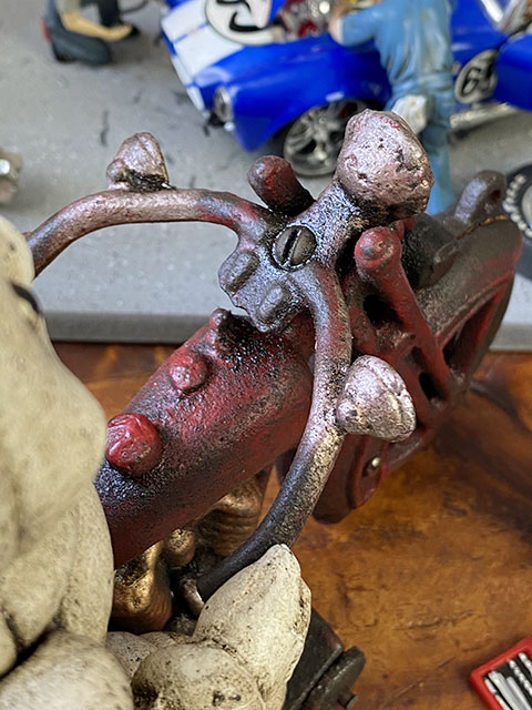 ミシュラン ビバンダムのキャストアイアン製ヴィンテージオブジェ(バイカービブ)