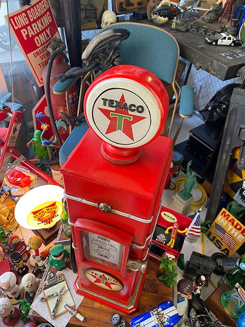 テキサコのガスポンプ型キャビネット CDタワー