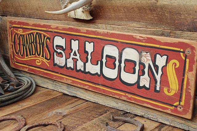 カウボーイサルーンの木製看板