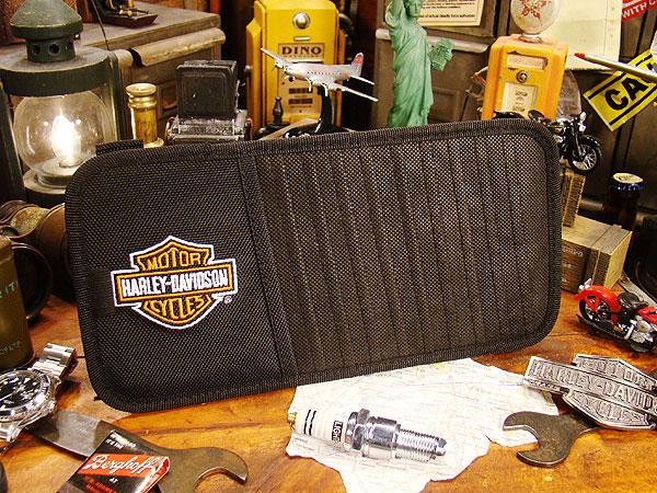 ハーレーダビッドソンのサンバイザー用CDポケット
