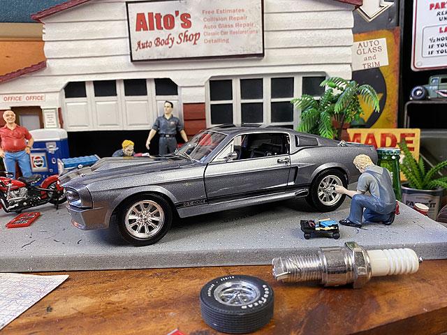 シェルビーコレクション 1967年 フォード・マスタングGT500E エレノアのダイキャストミニカー 1/18スケール