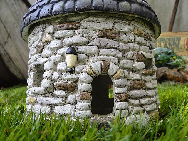 石のお家の蚊取り線香置き