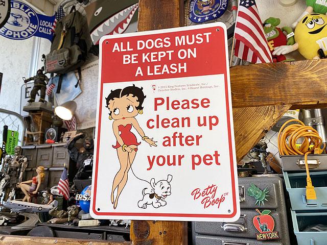 ベティ・ブープのプラスチックサインボード(犬のマナーは守りましょう)