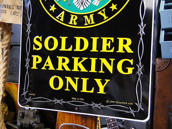 アメリカブリキ看板 U.S.アーミーソルジャー専用駐車場