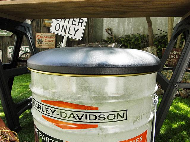 ハーレーダビッドソンのオイル缶スツール