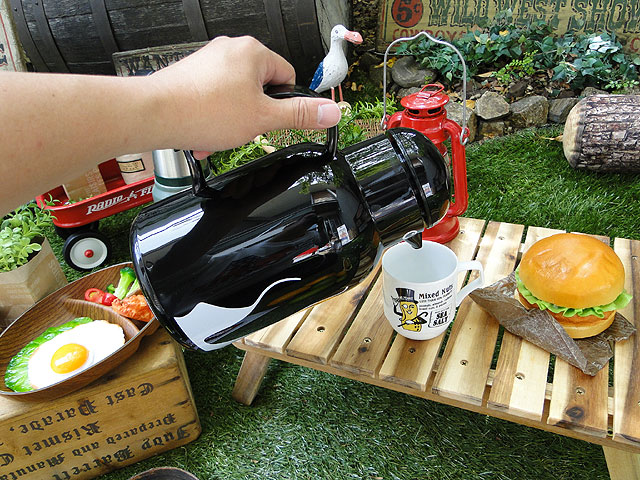 ドイツ ヘリオス社の卓上魔法瓶 サーモバード ペンギン 1Lサイズ Helios