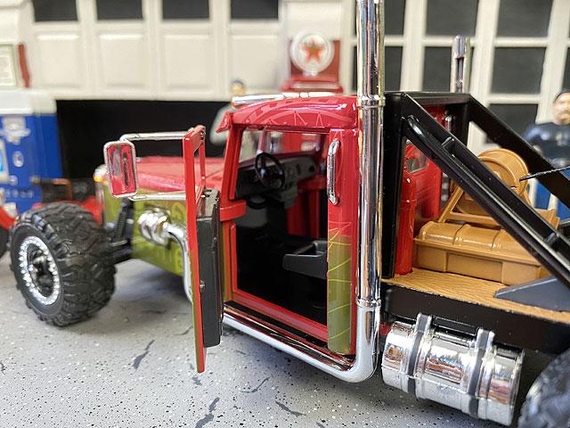 Jada 映画「ワイルドスピード」のダイキャストモデルカー 1/24スケール(カスタムピータービルト)