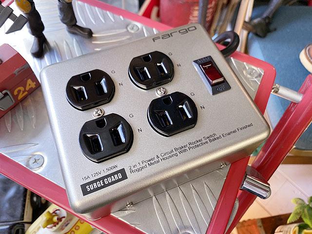 インダストリアル・スチールタップ(4個口/シルバー)OAタップ 電源タップ