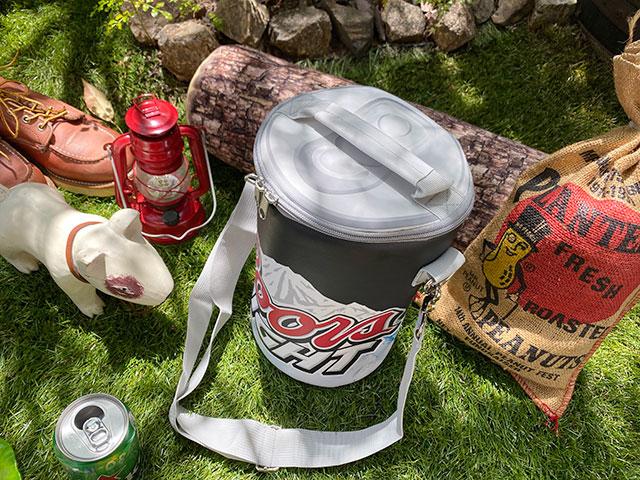 クアーズのドリンク缶型クーラーバッグ