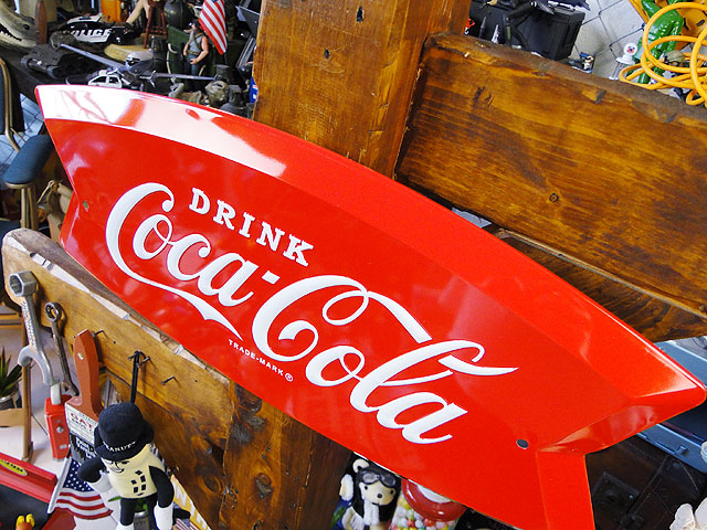 コカ・コーラのフィッシュテールカット・エンボス・ティンサイン
