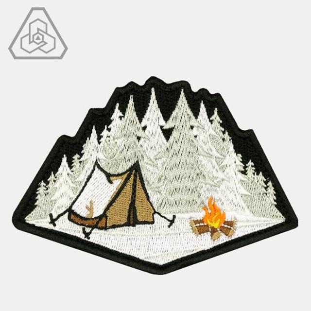 PROMETHEUS DESIGN WERX (プロメテウスデザインワークス) PDW Winter Camp Morale Patch [フック付き]