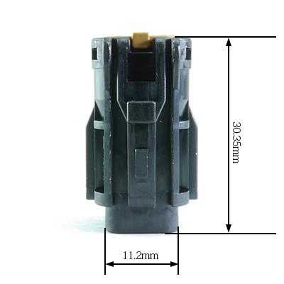 FRY型4極メスコネクター(黒色)
