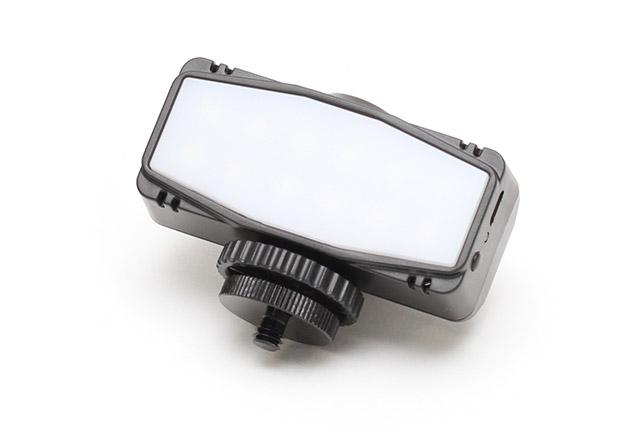 バッテリー内蔵小型LEDビデオライト SVL12D