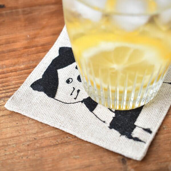 リネンの刺繍コースター