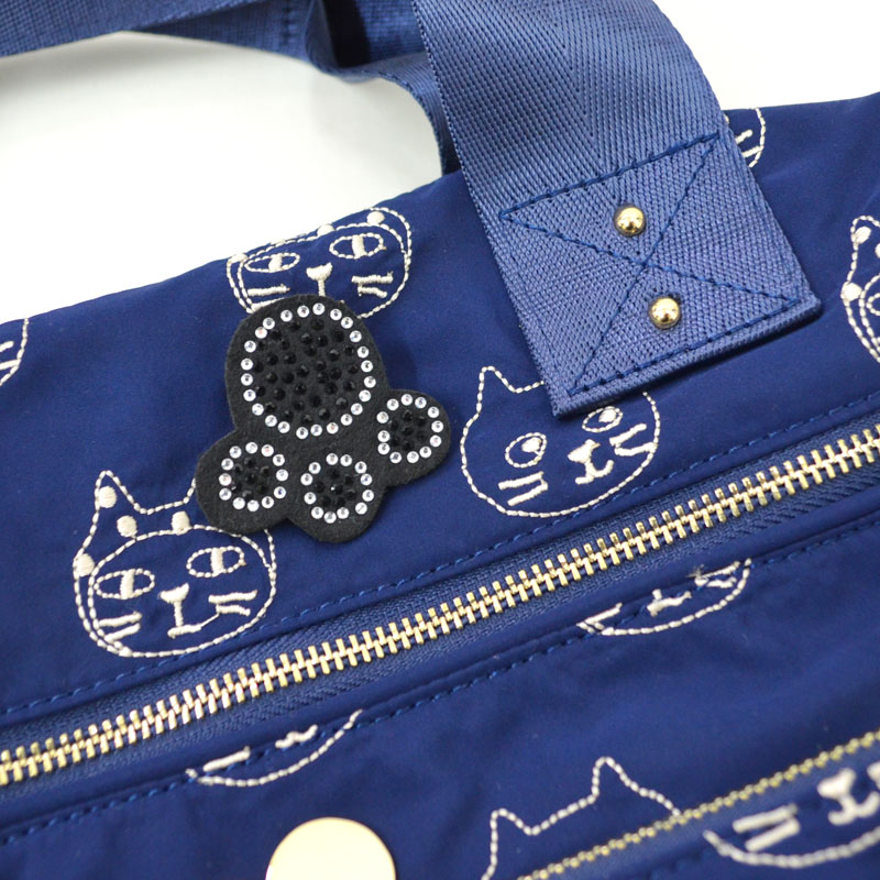 Me&Yoラインフェイスジップバッグ