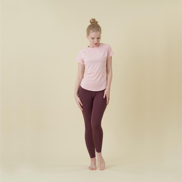 ペールピンク コンパクト Tシャツ