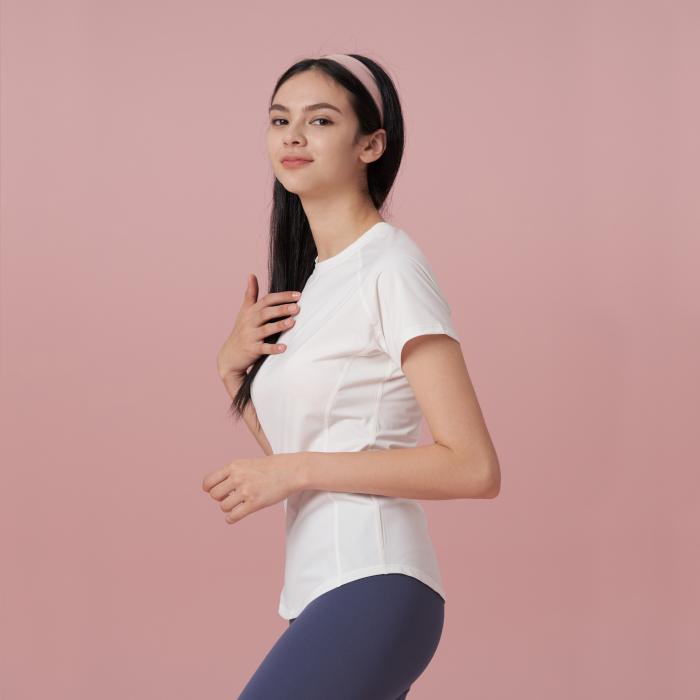 ホワイト コンパクト Tシャツ