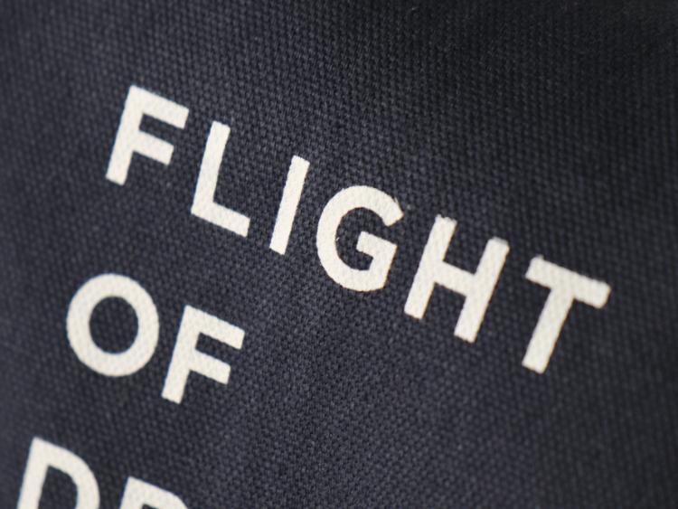 FLIGHT OF DREAMS トートバッグ(大) ネイビー