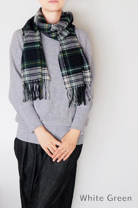 マフラー【チェック・グリーン】ウール混・イタリアの女性用マフラー 30cm幅*170cm/冬の防寒・通勤通学におすすめ