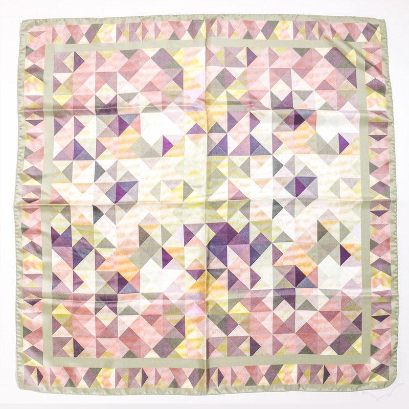 スカーフ トライアングル【カーキ】シルク100% 正統派ツイル/イタリア製 87cm正方形 1年中使えるスカーフ