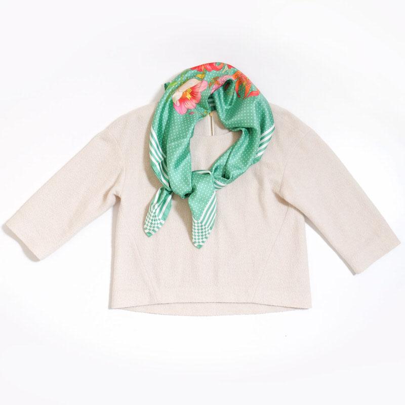 スカーフ リリードット【グリーン】シルク100% 正統派ツイル/イタリア製 87cm正方形 1年中使えるスカーフ