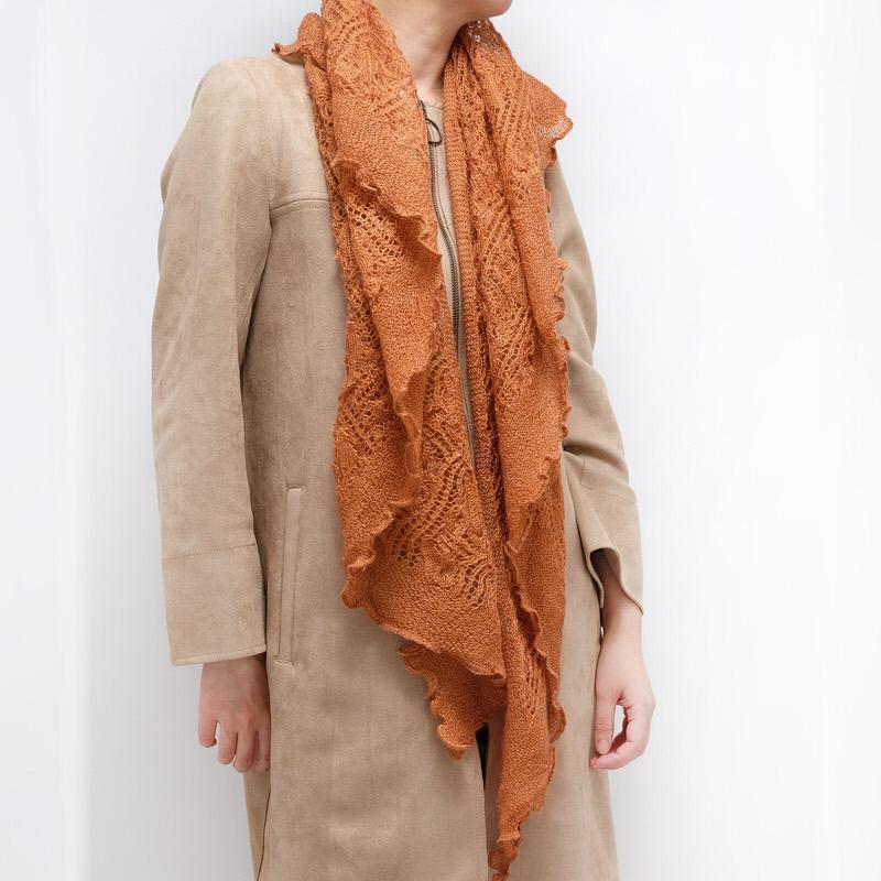 三角ショール【レース・オレンジ】イタリア製 女性用ショール 長辺190cm/冬のレディースショール