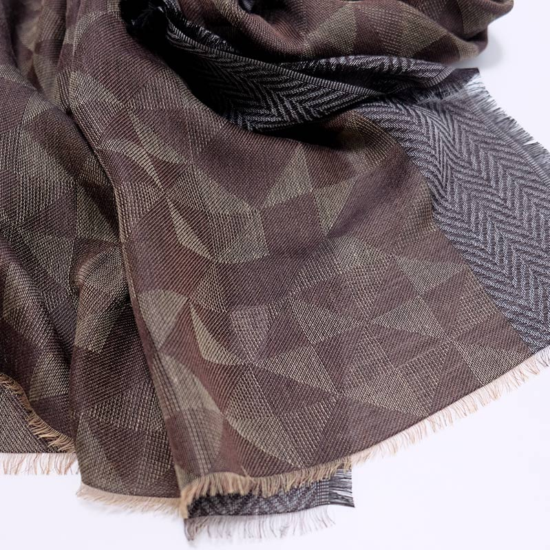 メンズストール ジャケットに似合う【カーキブラウン】シックなジオメトリック・ウール混/イタリア製 65cm*180cm 秋冬ストール