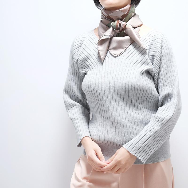 スカーフ【カーキ・スポスターレ】88cm正方形/イタリア製 春夏スカーフ・1年中使える正統派シルクツイル