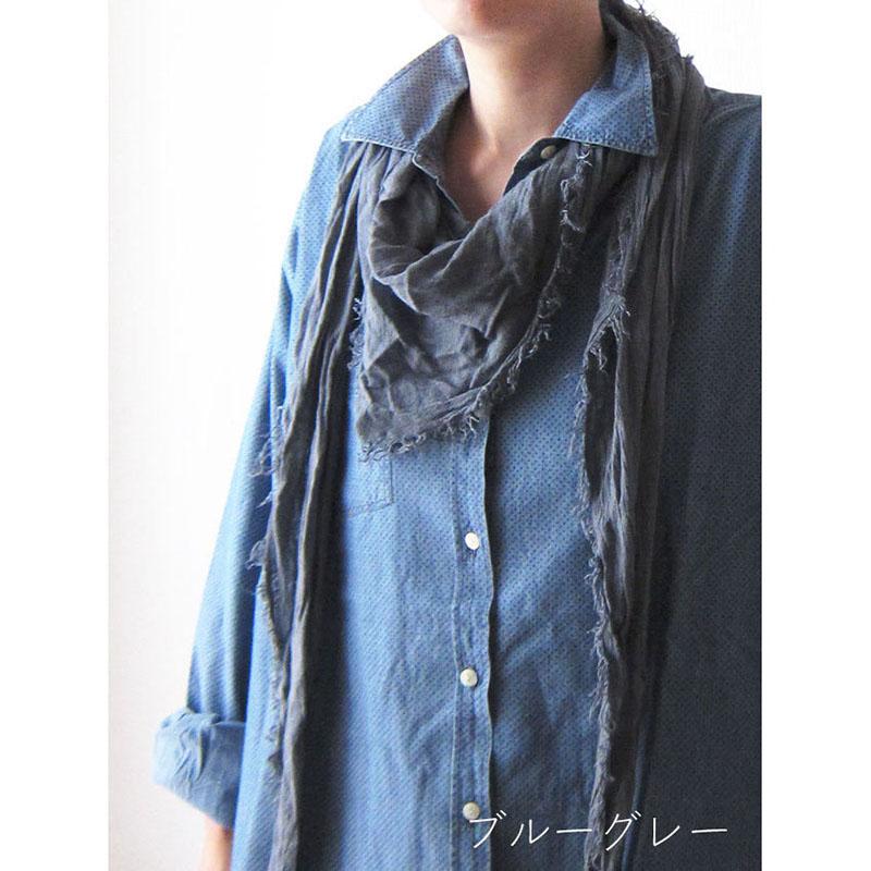 三角形ストール【ブルーグレー】カジュアル服のワンポイントに/イタリア製 長辺195*90cm 1年中使えるストール
