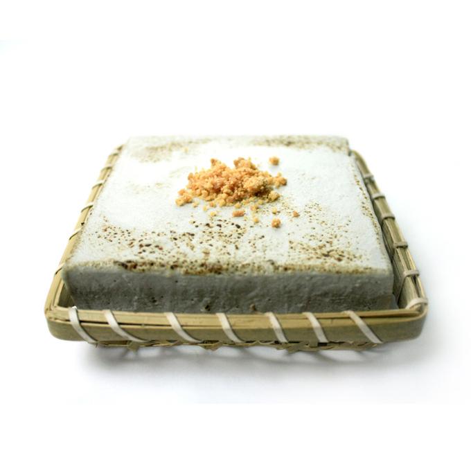 こくふわゴマトーフチャウデ(黒胡麻味 キャラメルと生姜クランチ付き)