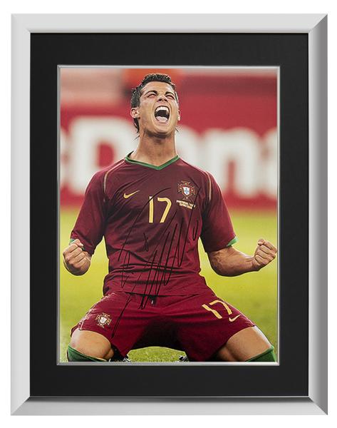 クリスティアーノ・ロナウド ポルトガル代表 直筆サインフォト 額装 2006 FIFA ワールドカップ ゴール vs イラン Signed Portugal Photo: 2006 FIFA World Cup Goal vs Iran / Cristiano Ronaldo 1/30入荷!