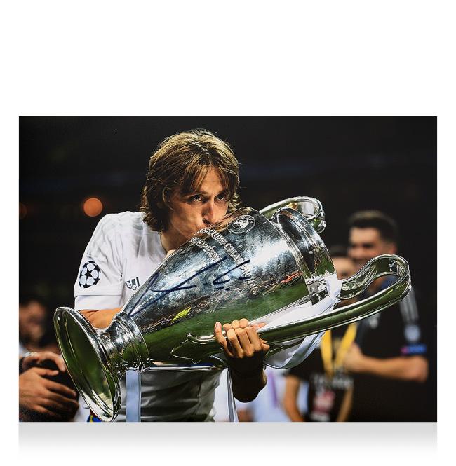 ルカ・モドリッチ 直筆サインフォト レアル・マドリード UEFA チャンピオンズリーグ ウィナー (Luka Modric Signed Real Madrid Photo: Four-Time UEFA Champions League Winner)
