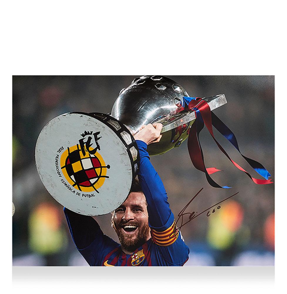 リオネル・メッシ 直筆サインフォト FCバルセロナ 2018-19 ラ・リーガ ウィナー (Lionel Messi Official Signed FC Barcelona Photo: 2018-19 La Liga Winner)