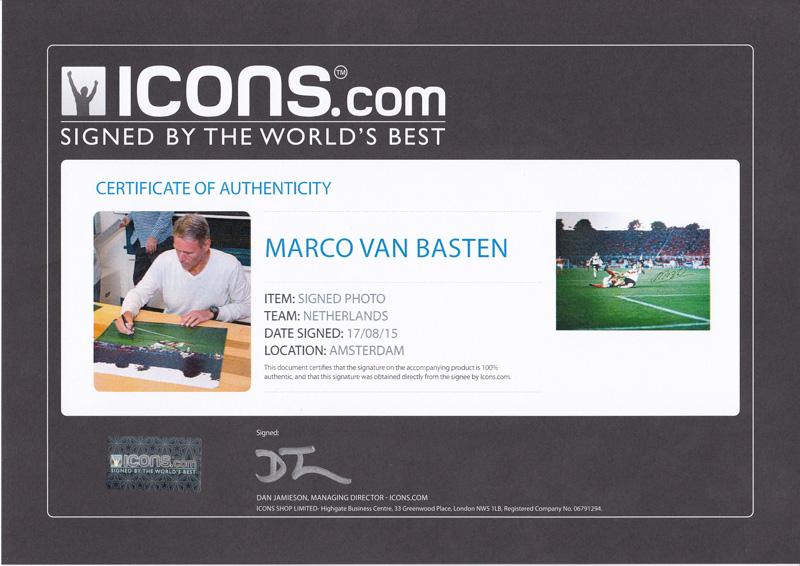 マルコ・ファン・バステン 直筆サイン入りフォト 額入り オランダ VS 西ドイツ (Marco van Basten Signed Photo: Netherlands Versus Germany) 9/25入荷!サイズ大