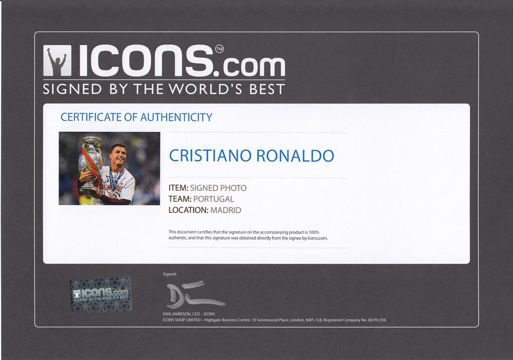 クリスティアーノ・ロナウド 直筆サインフォト 額入り Cristiano Ronaldo Signed Portugal Photo: UEFA EURO 2016 Winner / Cristiano Ronaldo