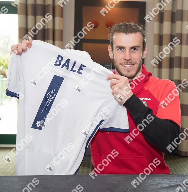 ガレス・ベイル 直筆サイン入りジャージ 2016-17 レアル・マドリード ホーム Gareth Bale Back Signed Real Madrid 2016-17 Home Shirt