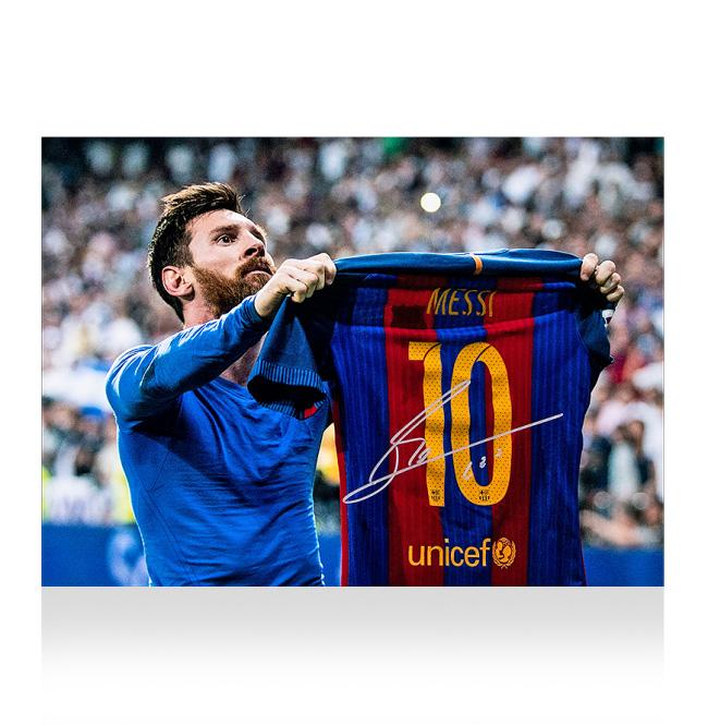 リオネル・メッシ 直筆サインフォト FC バルセロナ クラシコ セレブレーション (Lionel Messi Official Silver Signed Barcelona Photo: Iconic Clasico Celebration)