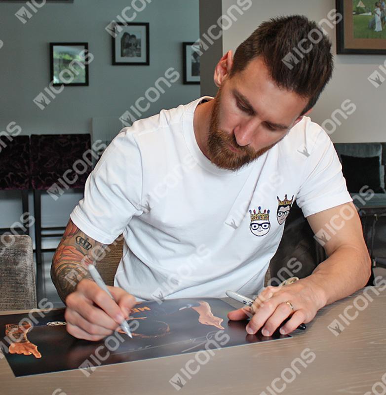 リオネル・メッシ 直筆サインフォト FC バルセロナ ゴッド-ギブン タレント (Lionel Messi Official Signed Barcelona Photo: God-Given Talent)