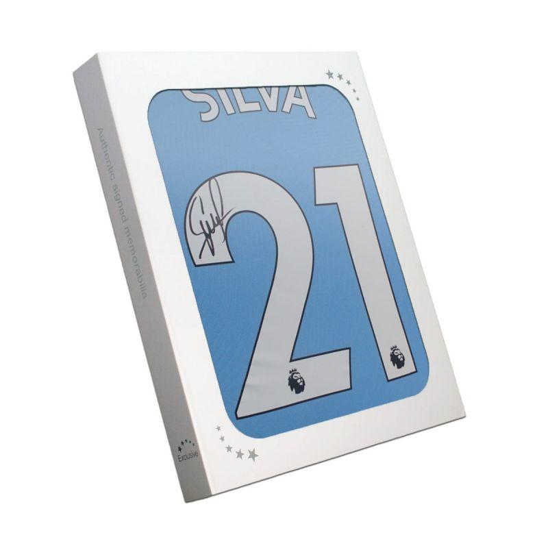 ダビド・シルバ 直筆サイン入りユニフォーム 2019-20 マンチェスター・シティFC ホーム バックサイン ホワイトギフトボックス入り (David Silva Signed Manchester City 2019-20 Home Shirt. In Gift Box)