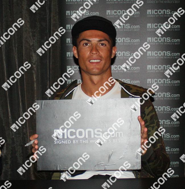 クリスティアーノ・ロナウド 直筆サインフォト 額入り  Champions League Final Goal / Christiano Ronaldo 2/9再入荷