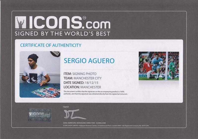セルヒオ・アグエロ 直筆サインフォト 額入り マンチェスター・シティ ゴール vs マンチェスター・ユナイテッド (Sergio Aguero Signed Manchester City Photo: Goal vs Manchester United) 2/3入荷!