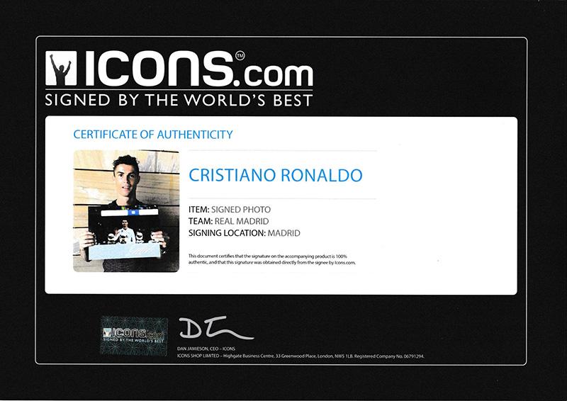 クリスティアーノ・ロナウド レアル・マドリード バロンドール5回受賞 直筆サインフォト Signed Real Madrid Photo: Five-Time Ballon d'Or Winner / Cristiano Ronaldo